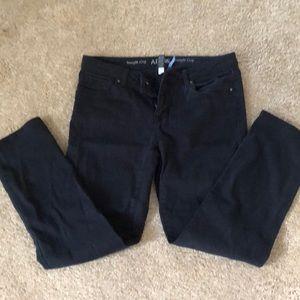 Dark wash straight crop jeans